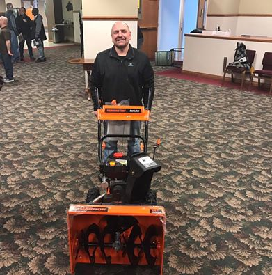 Jeff Sabel wins snow blower.